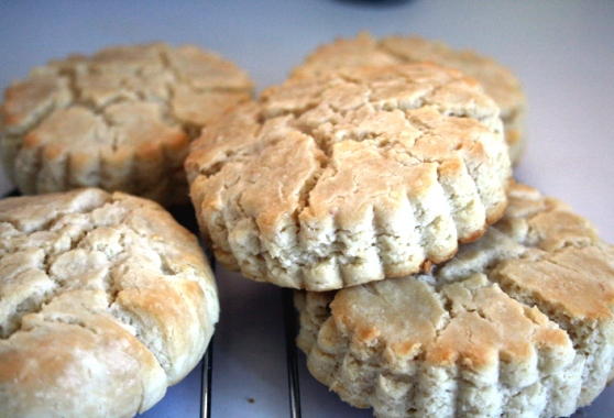 CashewCreamCheeseBiscuits8